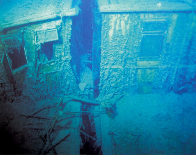 The gallery for --> Inside Titanic Underwater Bodies
