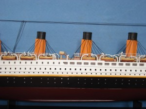 Titanic Model Ship 32-2