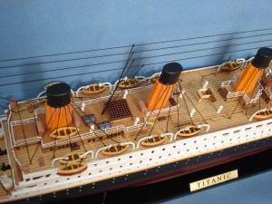 Titanic Model Ship 32-6