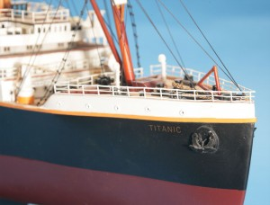 Titanic Model Ship 32-12