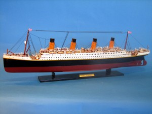 Titanic Model Ship 32-14