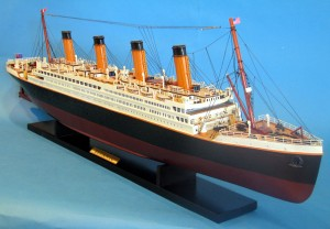 Titanic Model Ship 40-1