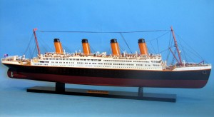 Titanic Model Ship 40-2