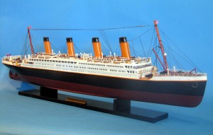 Titanic Model Ship 40-3