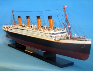 Titanic Model Shp 40-4