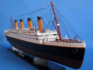 Titanic Model Shp 40-15