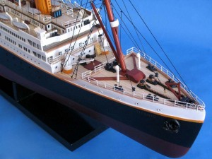 Titanic Model Shp 40-17