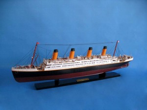 Titanic Model Shp 40-7