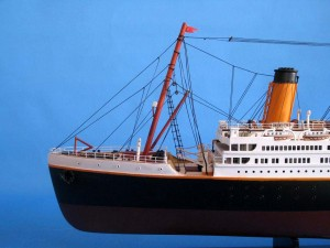 Titanic Model Shp 40-8