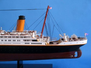 Titanic Model Shp 40-9