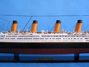 Titanic Model Shp 40-10
