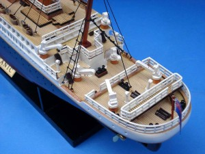 Titanic Model Ship 20-19