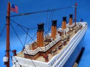 Titanic Model Ship 20-22