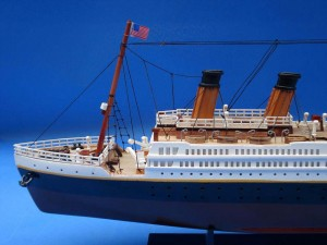 Titanic Model Ship 20-7