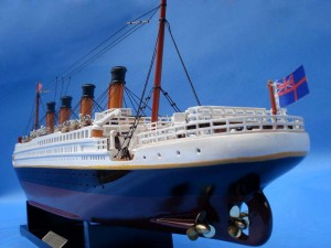 Titanic Model Ship 20-25