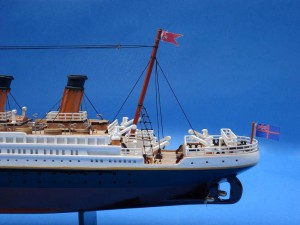 Titanic Model Ship 20-9