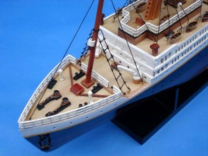 Titanic Model Ship 20-10