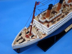 Titanic Model Ship 20-11