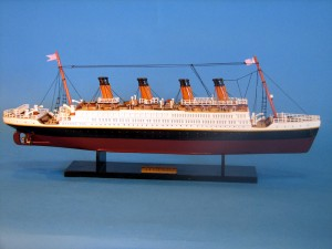 Titanic Model Ship 20-3