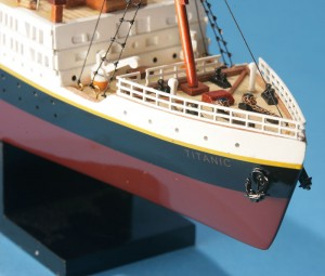 Titanic Model Ship 20-4