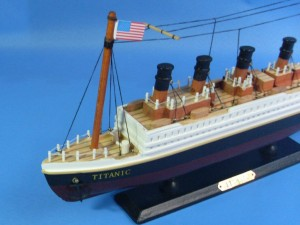 Titanic Ship Model 14-d