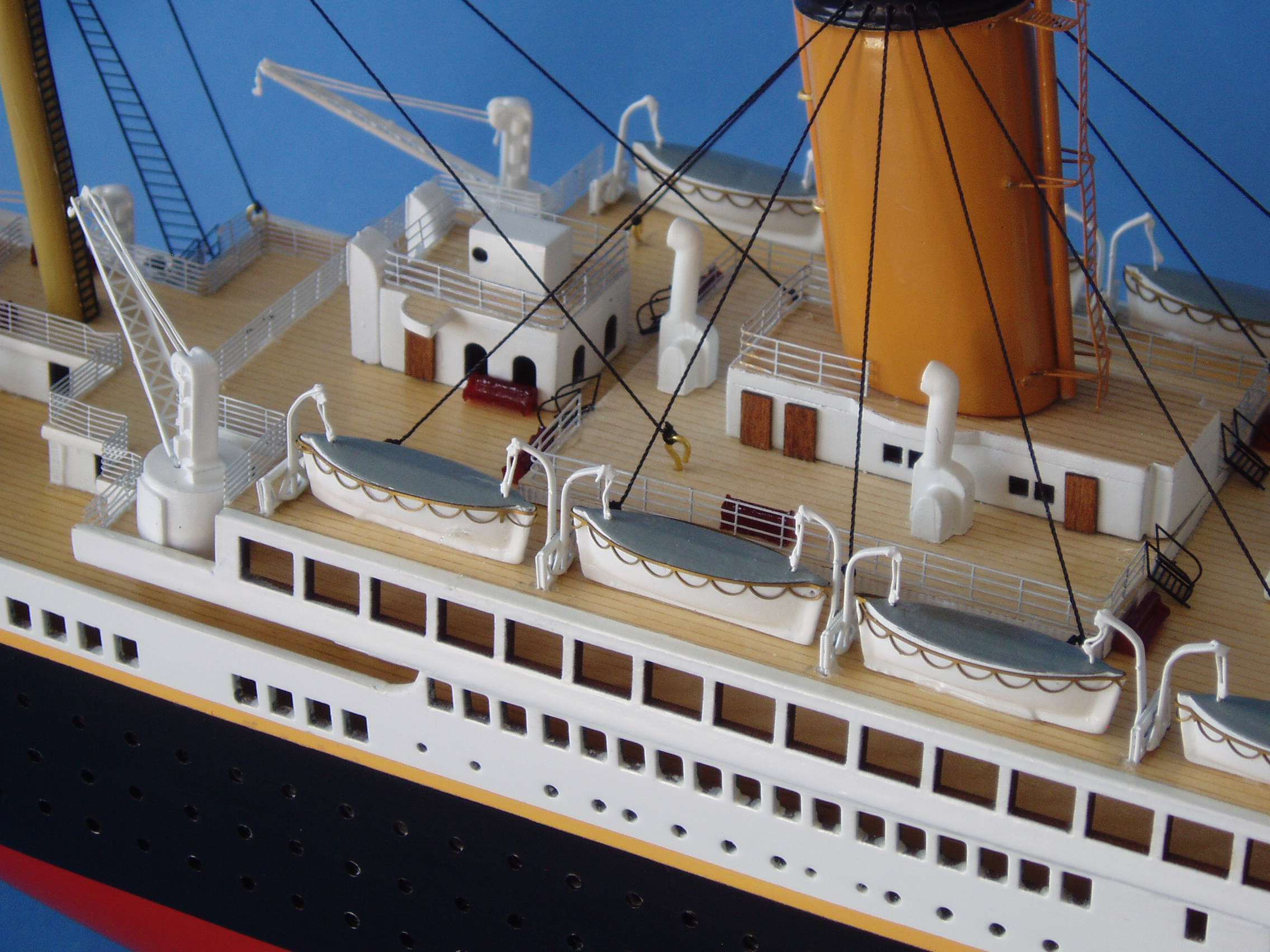 Toys R Us Titanic Model : Rms titanic model w lights limited edition quot assembled
