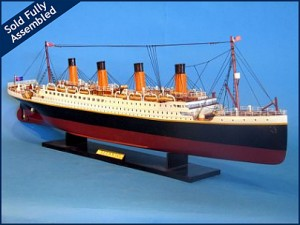 Titanic Model Ship 32