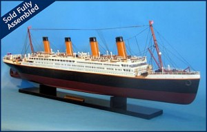 Titanic Model Ship 40