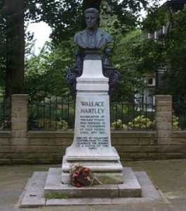 Memorial of Bandmaster Wallace Hartley