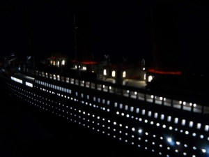 rms-titanic-model-ship-replica-lights-50-0
