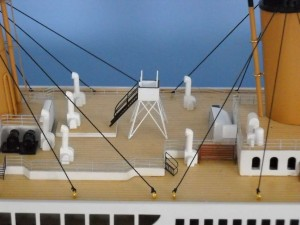 rms-titanic-model-ship-replica-lights-50-7