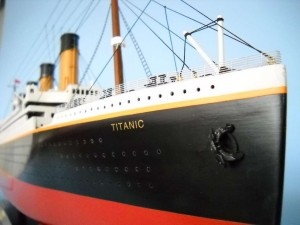 50-inch Remote Control Titanic Model 1