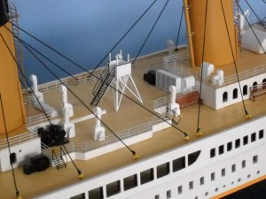 50-inch Remote Control Titanic Model 10