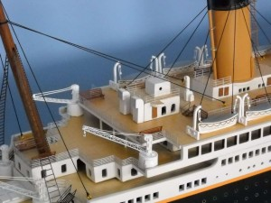 50-inch Remote Control Titanic Model 12
