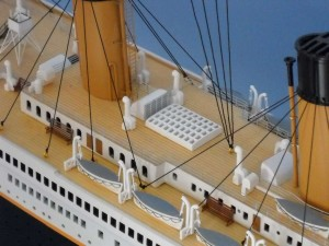 50-inch Remote Control Titanic Model 13