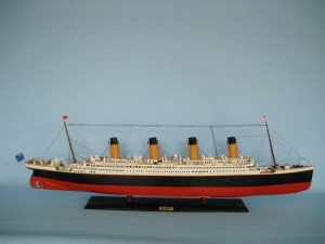 50-inch Remote Control Titanic Model 17