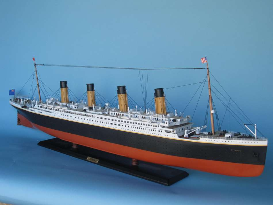 how to make a simple model of the titanic