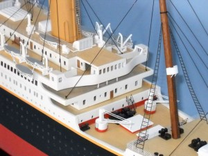 50-inch Remote Control Titanic Model 4