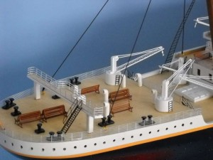 50-inch Remote Control Titanic Model 8