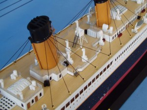 "Remote Control Titanic 40"" Limited Edition Model Ship 10"