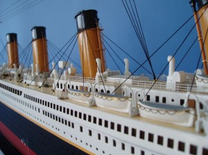 "Remote Control Titanic 40"" Limited Edition Model Ship 14"