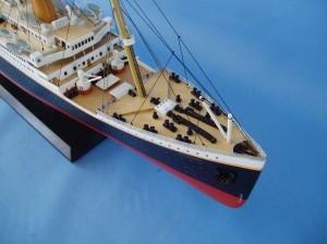 "Remote Control Titanic 40"" Limited Edition Model Ship 16"