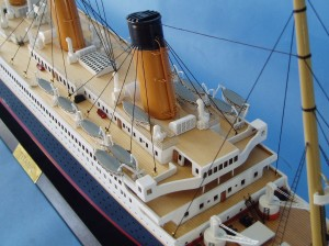 "Remote Control Titanic 40"" Limited Edition Model Ship 17"
