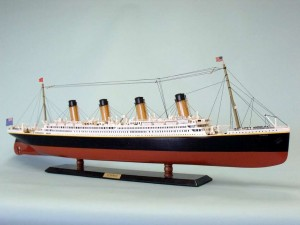"Remote Control Titanic 40"" Limited Edition Model Ship 4"