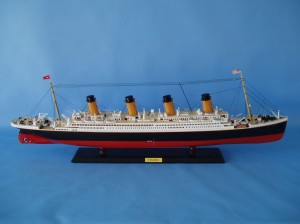 "Remote Control Titanic 40"" Limited Edition Model Ship 6"