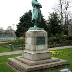 450px-Captain_Edward_Smith_statue,_Beacon_Park,_Lichfield_-_geograph.org.uk_-_403721