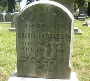 Titanic-survivor-stories-Col-Gracie-Grave